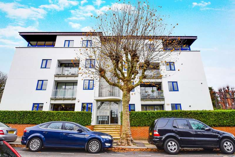 2 Bedrooms Flat for sale in Stanhope Road, Highgate, London, N6