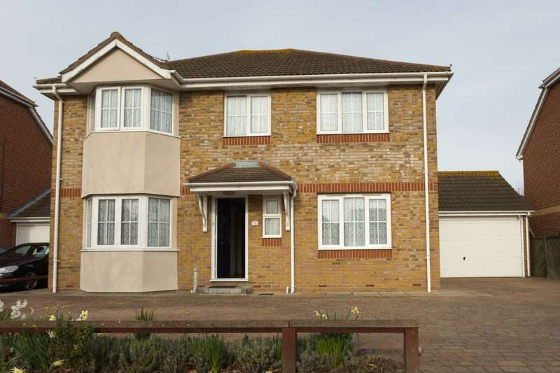 4 Bedrooms Detached House for sale in Thorney Bay Road, Canvey Island, Essex, SS8