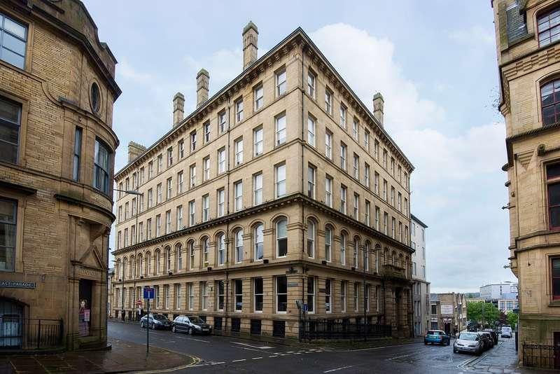 1 Bedroom Flat for sale in East Parade, Bradford, West Yorkshire, BD1