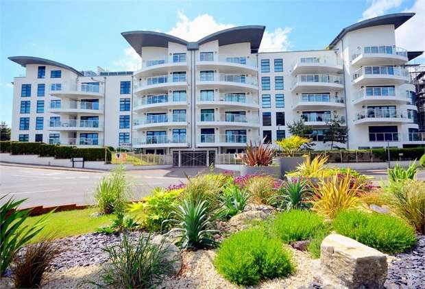 3 Bedrooms Flat for sale in Boscombe Spa Road, Boscombe, Bournemouth