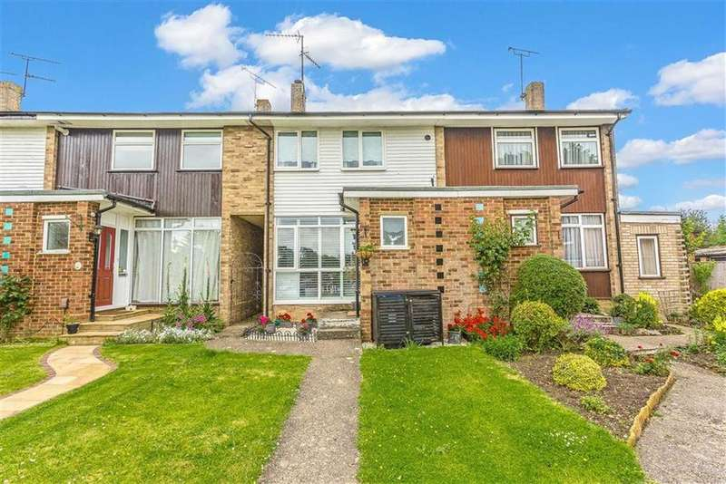 2 Bedrooms Terraced House for sale in Hazelwood Road, Oxted, Surrey