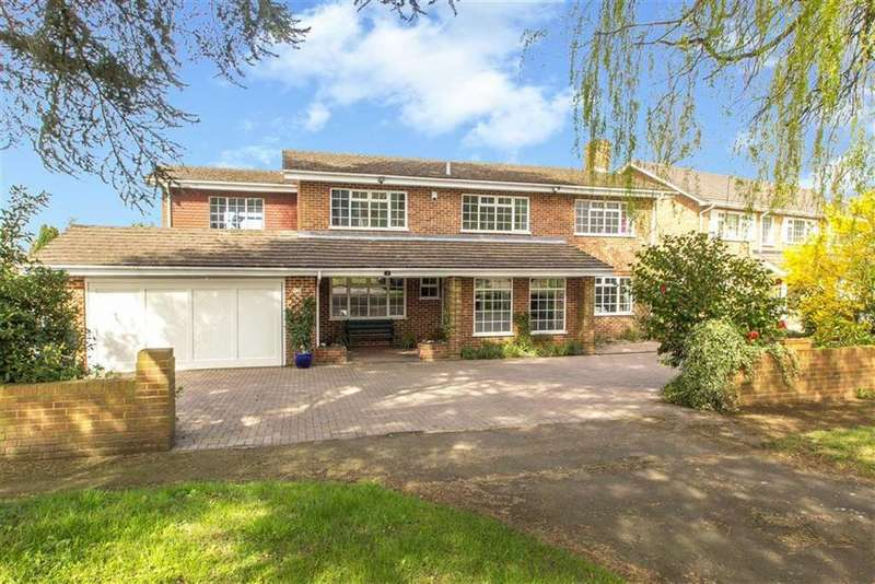5 Bedrooms Detached House for sale in Bayards, Warlingham, Surrey