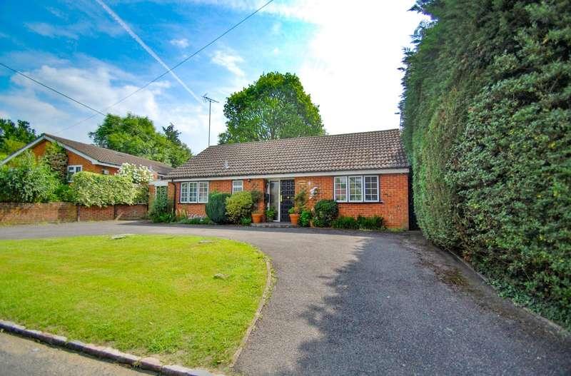 2 Bedrooms House for sale in Side Road, Higher Denham, UB9