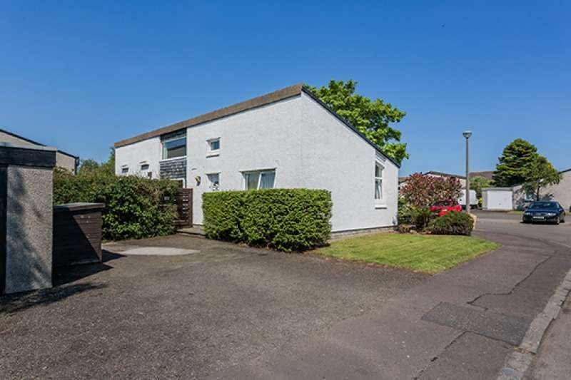 3 Bedrooms Bungalow for sale in Bramble Drive, Barnton, Edinburgh, EH4 8BP