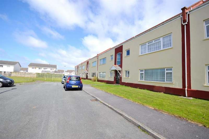 2 Bedrooms Apartment Flat for sale in Llanion Park, Pembroke Dock