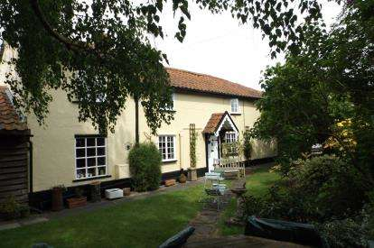 3 Bedrooms Detached House for sale in Woodbridge, Suffolk