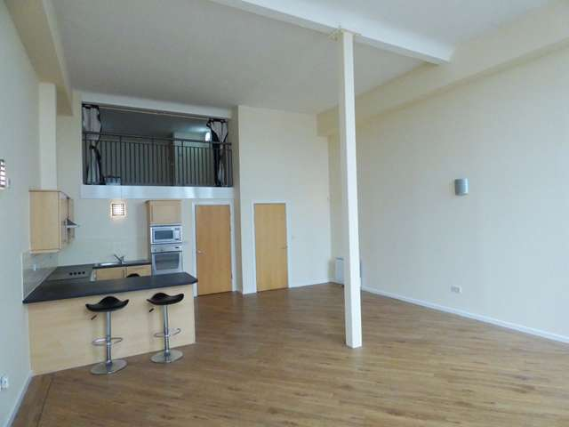 2 Bedrooms Duplex Flat for sale in Centenary Mill, Preston, PR1