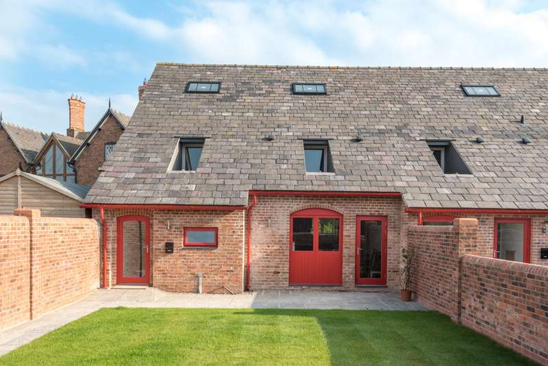 4 Bedrooms House for sale in 4 bedroom Barn Conversion End of Terrace in Huxley
