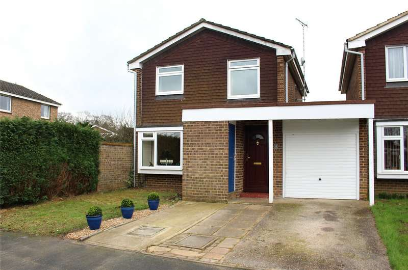 3 Bedrooms Detached House for sale in Elsdon Road, Woking, Surrey, GU21