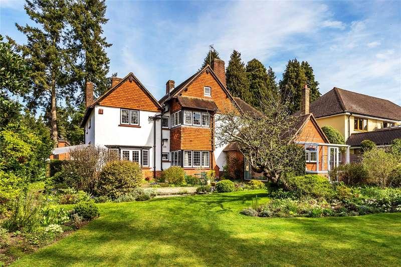 4 Bedrooms Detached House for sale in Hook Heath Avenue, Woking, Surrey, GU22