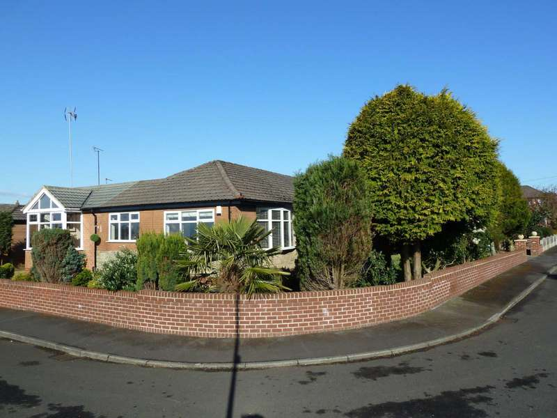 3 Bedrooms Detached Bungalow for sale in Hartshead Crescent, Woodhouses, Manchester, M35