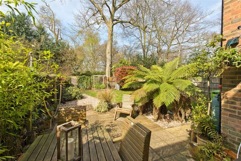3 Bedrooms Terraced House for sale in Beech Close, Wimbledon, London, SW19