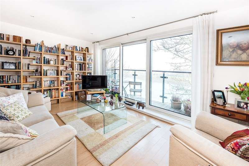 2 Bedrooms Flat for sale in Dukes Court, 77 Mortlake High Street, London, SW14