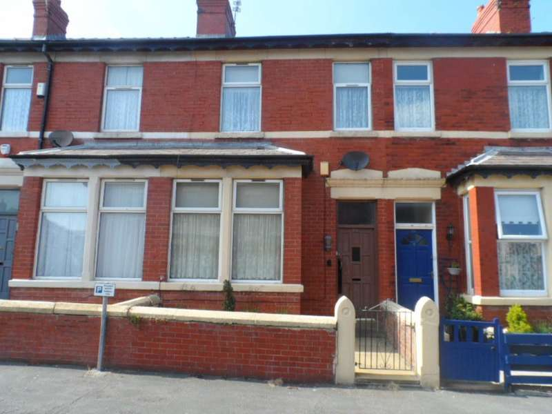 2 Bedrooms Terraced House for sale in Charles Street, Blackpool, FY1 3JL