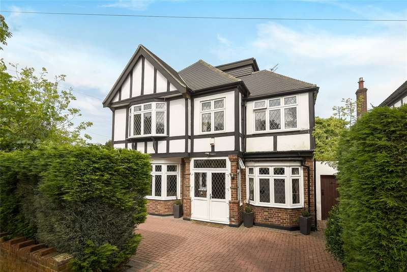 5 Bedrooms Detached House for sale in Knighton Drive, Woodford Green, IG8