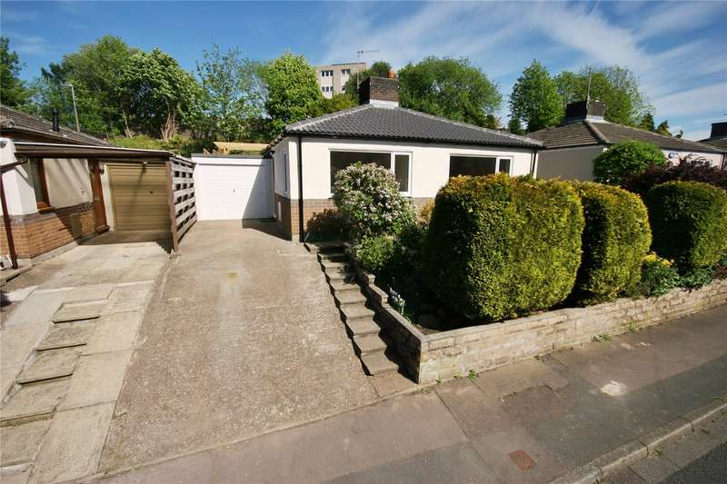 2 Bedrooms Detached Bungalow for sale in School Lane, Berry Brow, HUDDERSFIELD, West Yorkshire, HD4