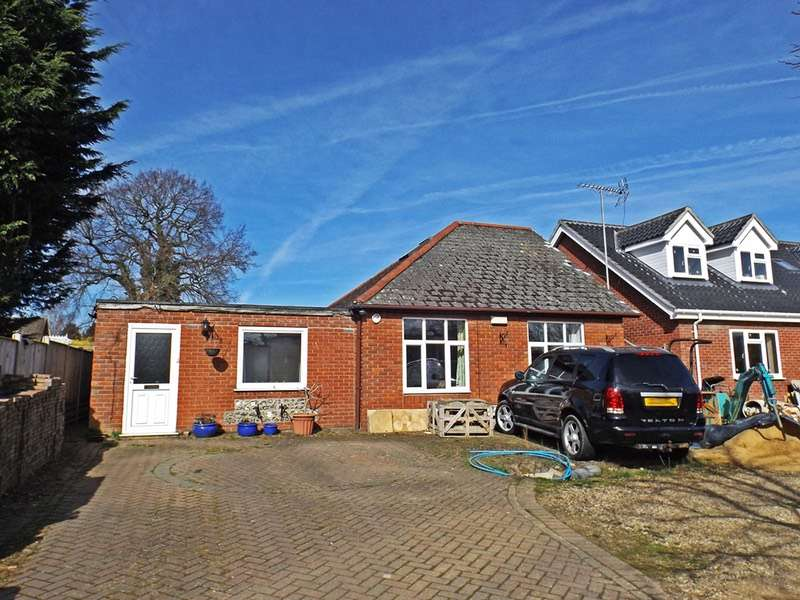 3 Bedrooms Bungalow for sale in The drive, Norwich, Norfolk, NR5
