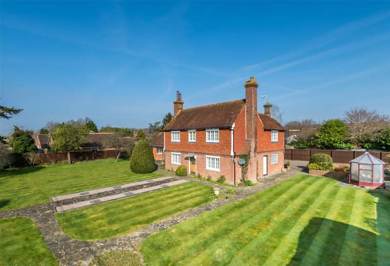 5 Bedrooms Detached House for sale in Plough Road, Smallfield, Horley, Surrey, RH6