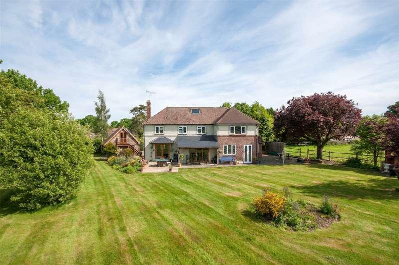 4 Bedrooms Detached House for sale in Vicarage Lane, Capel, Dorking, Surrey, RH5
