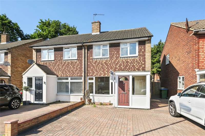 2 Bedrooms Semi Detached House for sale in Broad Close, Hersham, Walton-on-Thames, Surrey, KT12