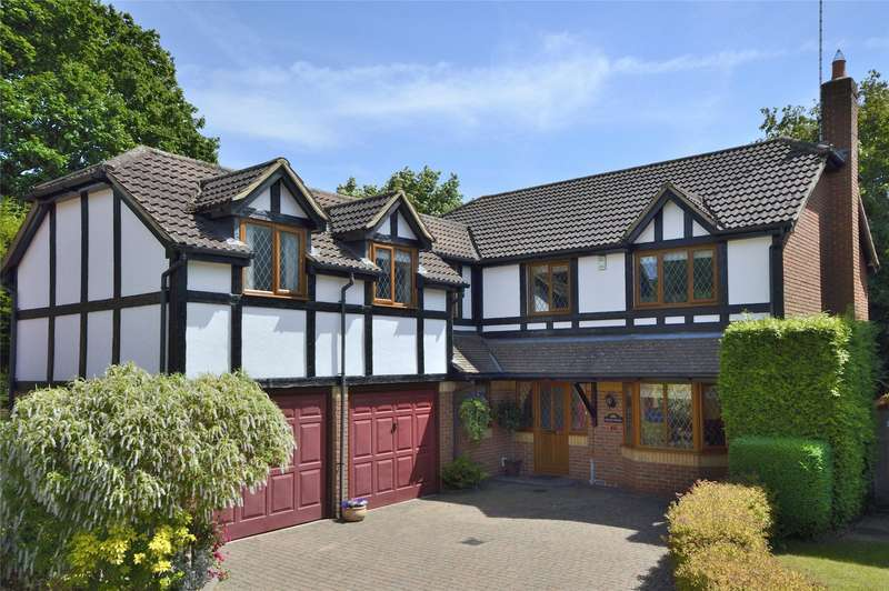 5 Bedrooms Detached House for sale in Connaught Drive, Weybridge, Surrey, KT13