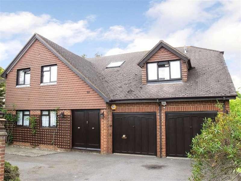 4 Bedrooms Detached House for sale in York Road, Farnham