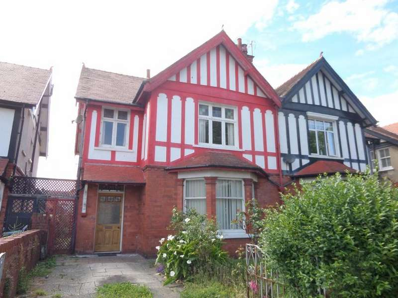 6 Bedrooms Semi Detached House for sale in St. Marys Road, Llandudno