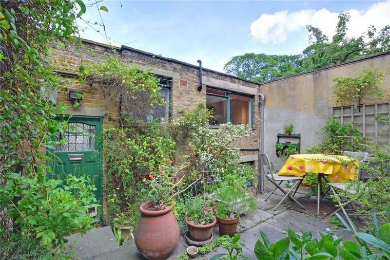 2 Bedrooms Detached House for sale in West Grove, Greenwich, London, SE10