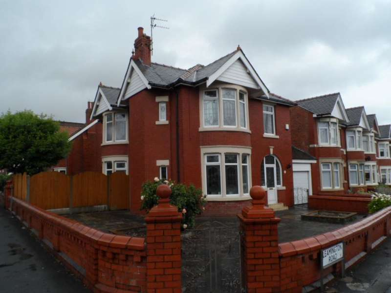 3 Bedrooms Detached House for sale in Leamington Road, Blackpool, FY1 4HF