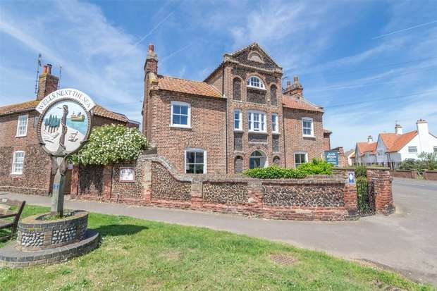 13 Bedrooms Commercial Property for sale in Arch House, Wells-next-the-Sea