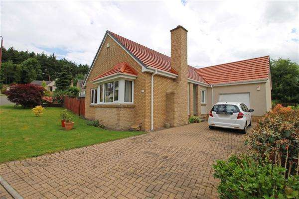 3 Bedrooms Detached Bungalow for sale in Adair Place, Tillicoultry