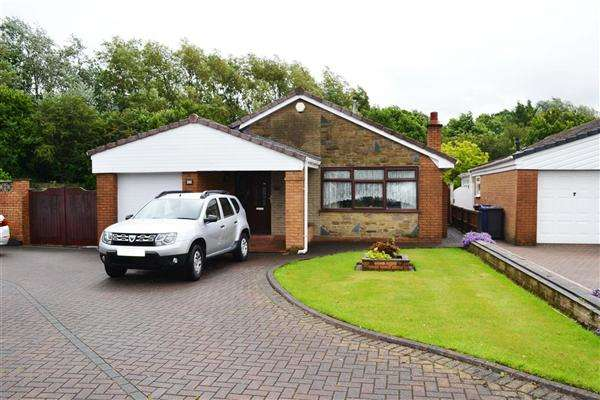 2 Bedrooms Detached Bungalow for sale in Arlington Drive, Leigh
