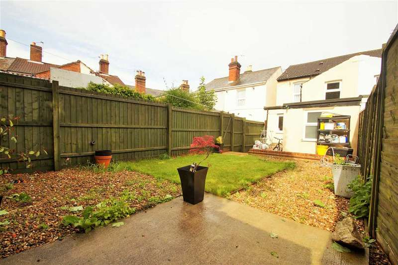 3 Bedrooms End Of Terrace House for sale in Charles Street, New Town, Colchester