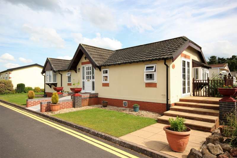 2 Bedrooms Park Home Mobile Home for sale in Doverdale Park Homes, Hampton Lovett, Droitwich, Worcestershire