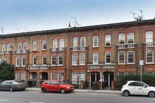 5 Bedrooms Flat for sale in Queenstown Road, Battersa, London