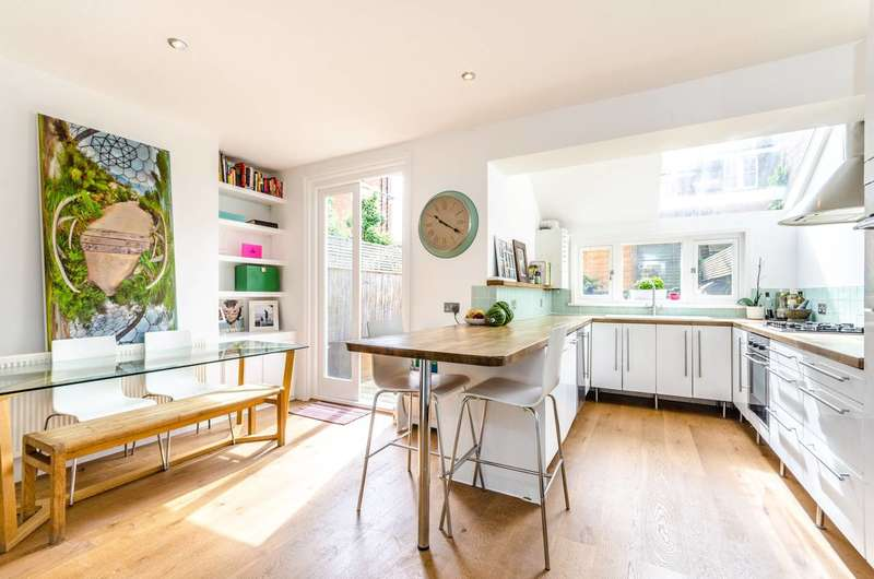 3 Bedrooms Cottage House for sale in Rosendale Road, Herne Hill, SE24