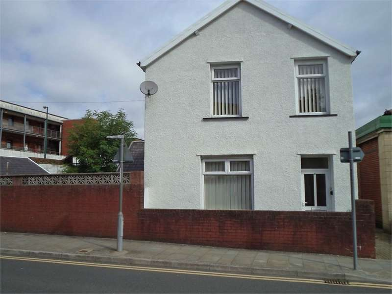 3 Bedrooms Detached House for sale in The Walk, EBBW VALE, NP23