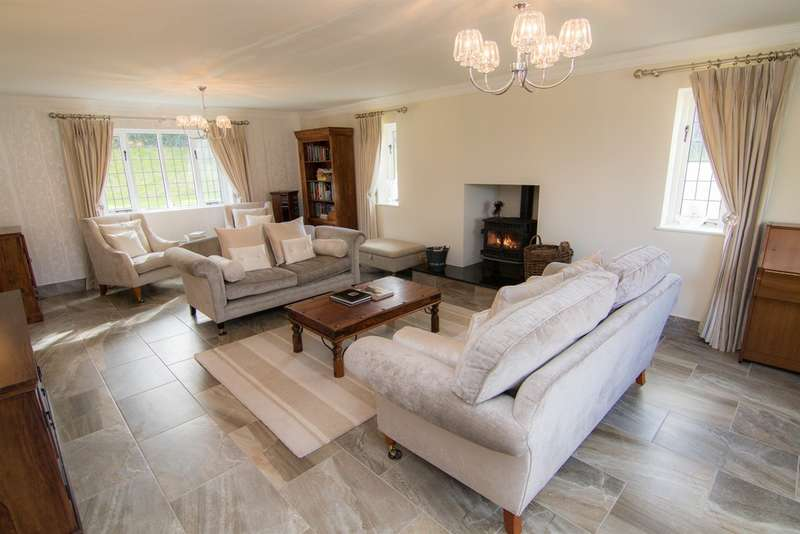 4 Bedrooms Detached House for sale in Overland Road, Langland, Swansea