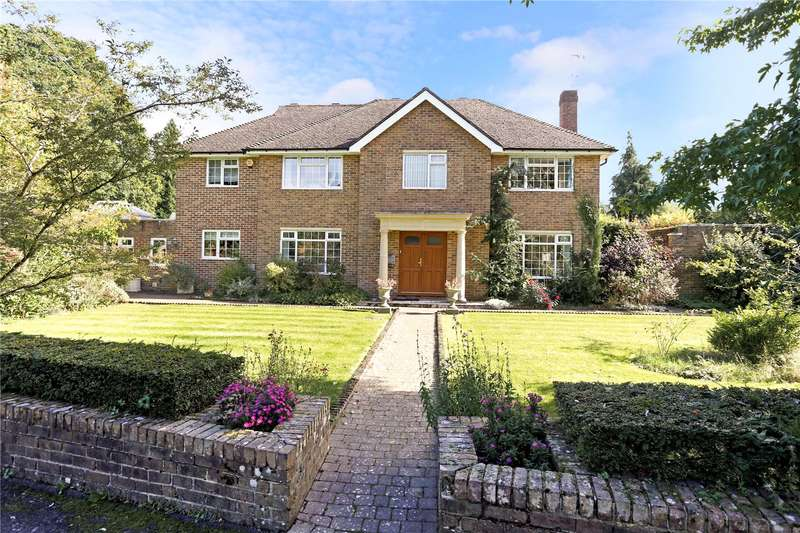 6 Bedrooms Detached House for sale in Chiltley Way, Liphook, Hampshire, GU30