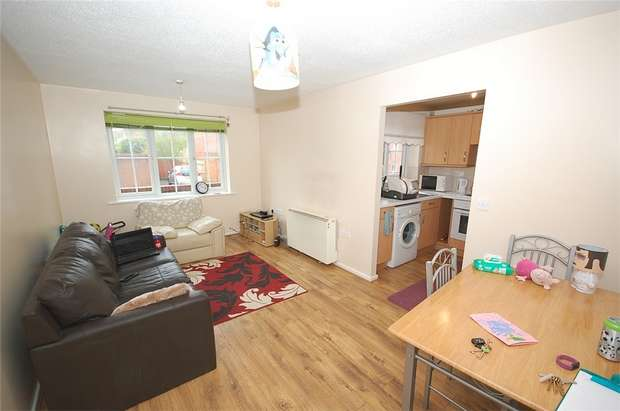 2 Bedrooms Flat for sale in Thorndale Court, MANCHESTER