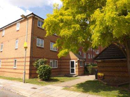 1 Bedroom Flat for sale in Bream Close, Tottenham Hale, Haringey, London