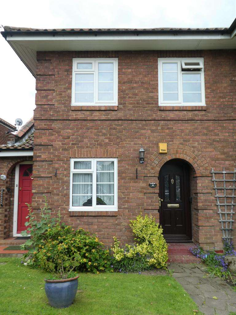 2 Bedrooms Maisonette Flat for sale in Sidcup Hill Gardens, Sidcup Kent DA14