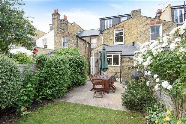 4 Bedrooms Terraced House for sale in Hydethorpe Road, LONDON, SW12 0JD