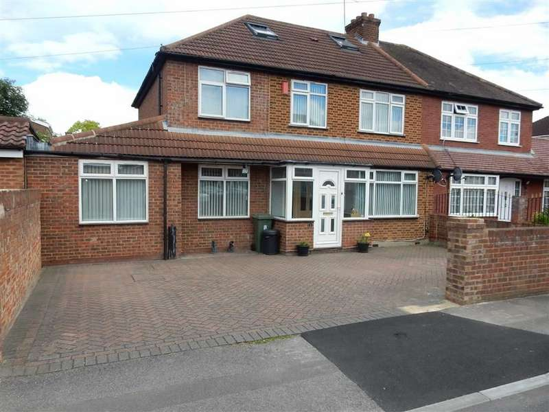 5 Bedrooms Property for sale in Carlyon Road, Hayes, Middlesex
