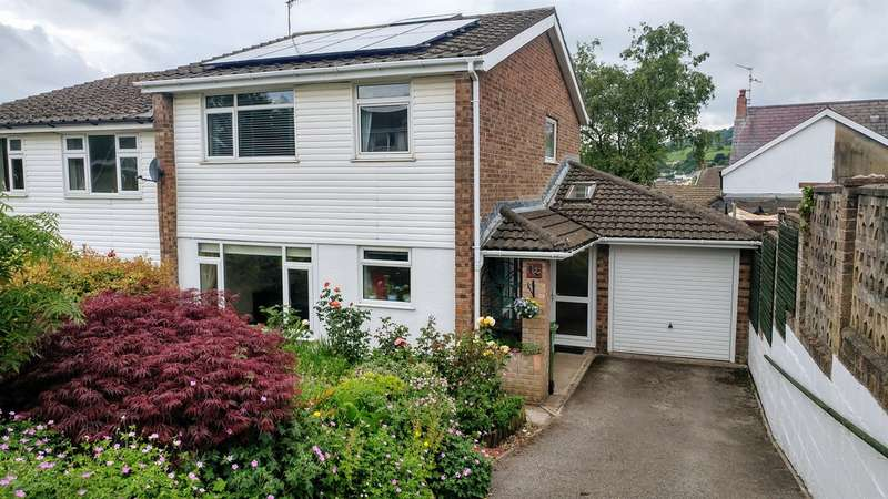 3 Bedrooms Semi Detached House for sale in Royal Oak, Machen, Caerphilly
