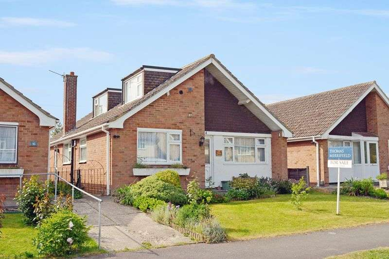 4 Bedrooms Property for sale in Vale Avenue, Grove, Wantage