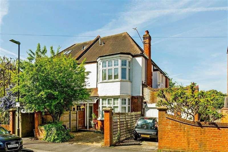 3 Bedrooms Maisonette Flat for sale in Oakwood Road, Raynes Park, London