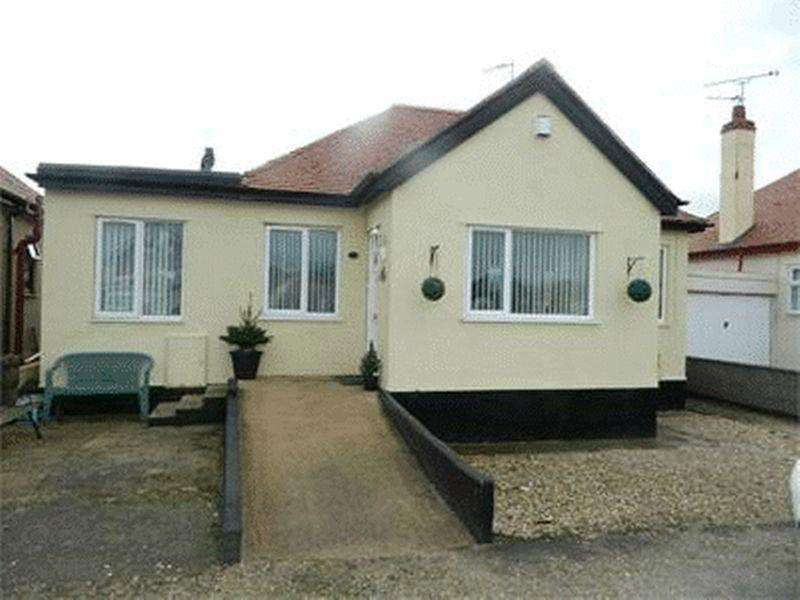2 Bedrooms Detached Bungalow for sale in Rhys Avenue, Kinmel Bay