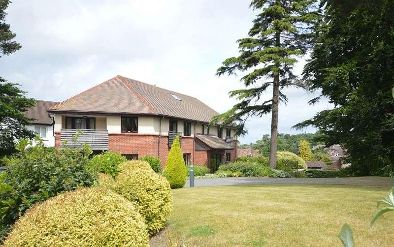 2 Bedrooms Retirement Property for sale in Strome Park, Washington Road, Storrington, RH20