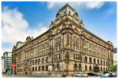 3 Bedrooms Flat for sale in Dalintober Street, Glasgow